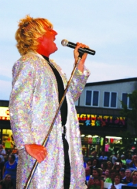 Tommy Edward as Rod Stewart... Comes to Town