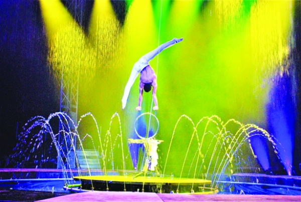 Cirque Italia Gold Comes to Fort Myers Jet Blue Park