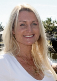 Tracey Gore is one of seven candidates looking to fill the two seats up for grabs on the Fort Myers Beach Town Council, along with Jack Green, Dennis Boback, Suzanne Katt, Bruce Butcher, Ber Stevenson and incumbent Dan Andre.